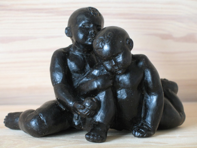 Twins by Anna Gusakova, bronze on